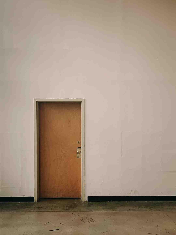 Comment isoler la porte d'entrée ?